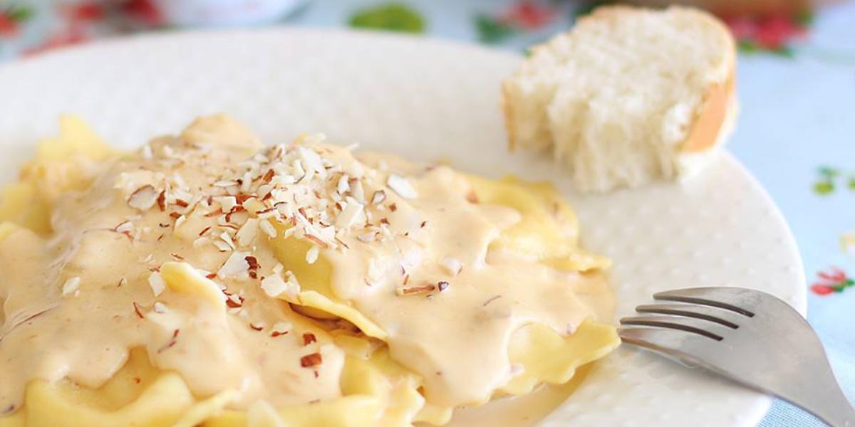 Recetas_Nestle_Venezuela_Raviolis_en_salsa_de_almendras_cubito_de_pollo_maggi_receta_fácil