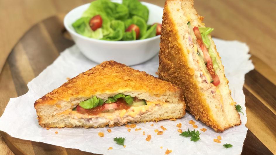 Cheesy Crunch Tuna Sandwich