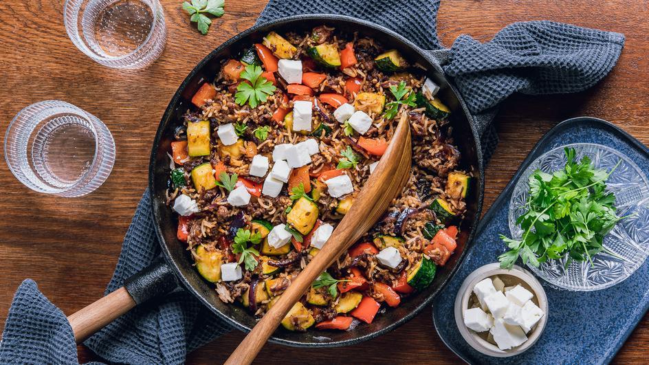 Schnelle Gemüse-Reis-Pfanne mit Faschiertem