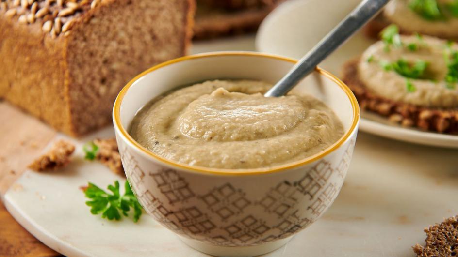 Baba ghanoush (pasta, np. do kanapek)