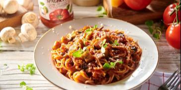 Spaghetti z kurczakiem i pieczarkami