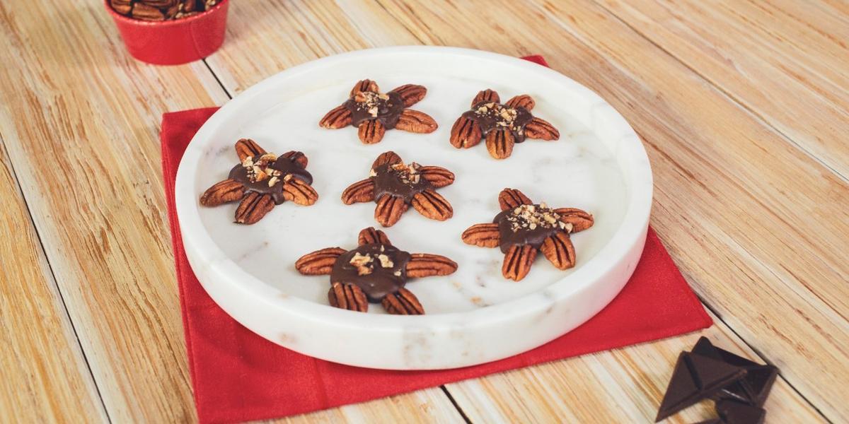 TORTUGAS de CHOCOLATE preparadas con Chocolate Amargo NESTLÉ® Postres