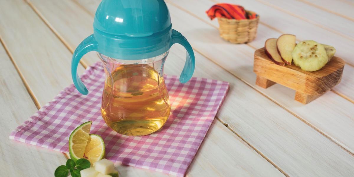 Agua de manzana, tuna y limón Gerber