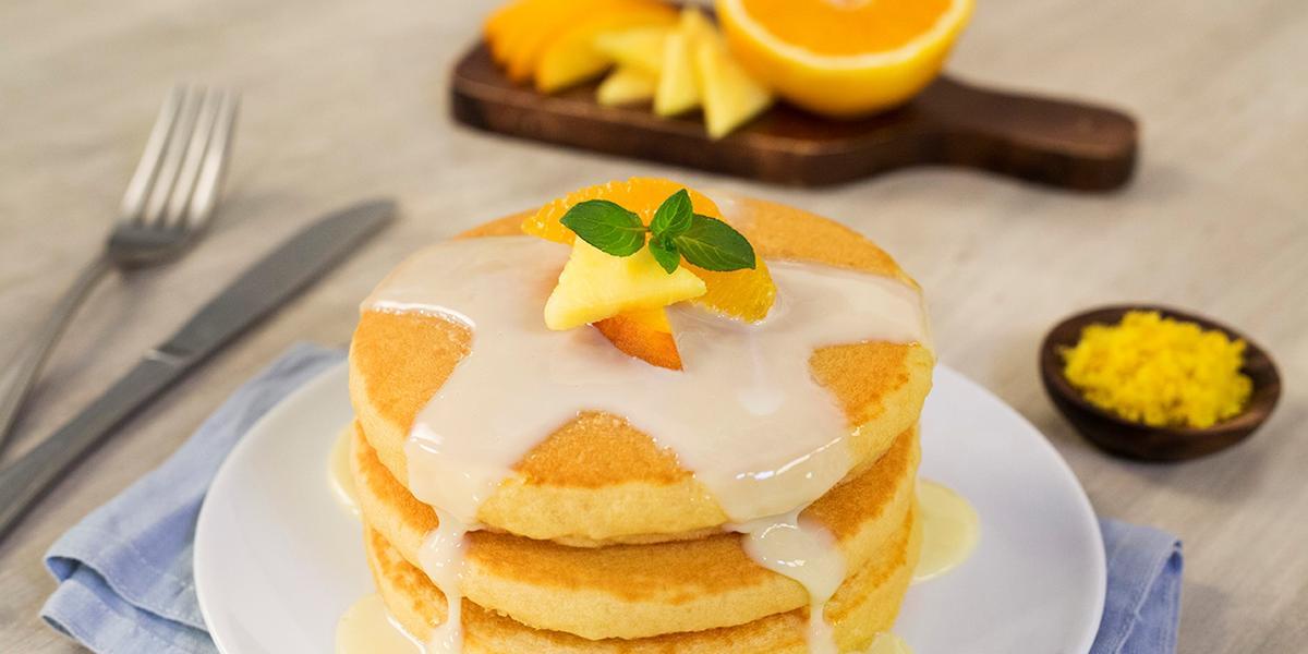 Hot cakes de naranja
