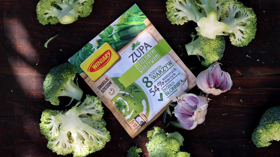 Wiosenna zupa brokułowa z serkiem topionym