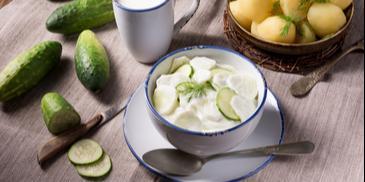 Mizeria z jogurtem naturalnym