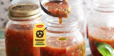 Aromatyczne pomidory w słoikach na zimę
