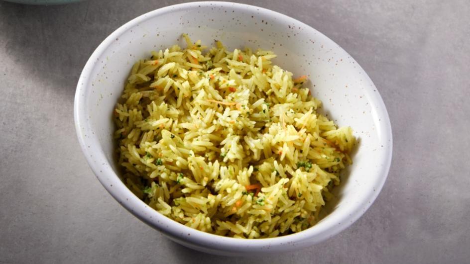 ®الأرز مع البروكولي والشيدر - لوازم الأرز مع البروكولي والشيدر من ماجي
