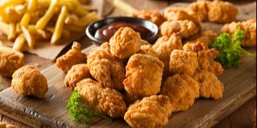 Nuggetsy z kurczaka w ostrym cieście