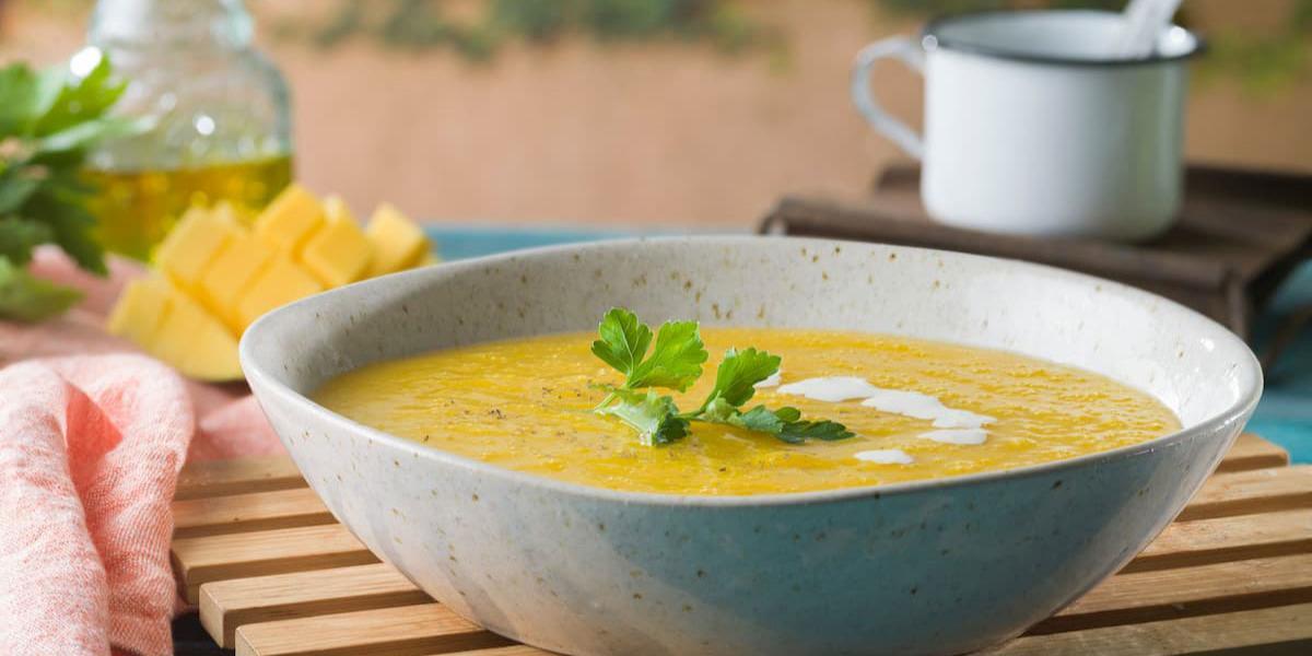 Sopa de mango, jengibre y coco
