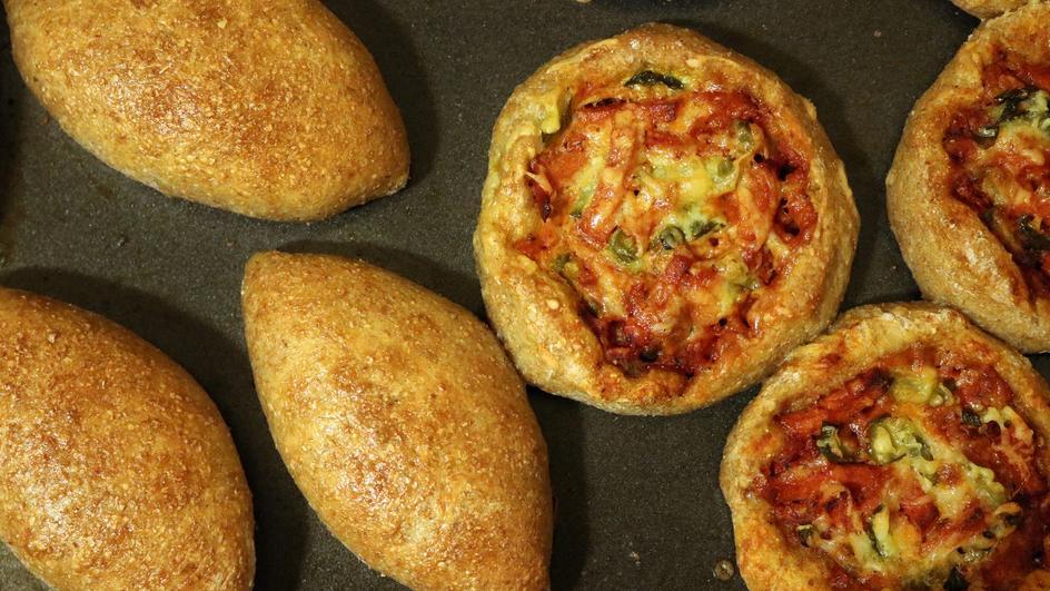 Bułeczki z pomidorem i mozzarellą