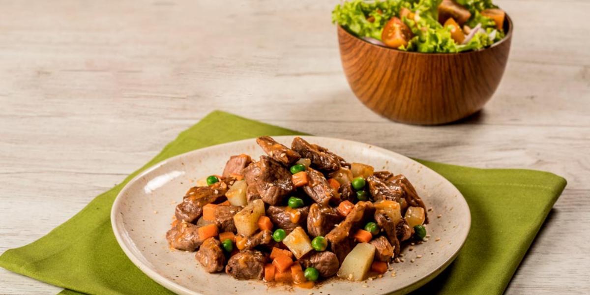 Receta fácil y rápida, Goulash con carne de res; Recetas Nestlé