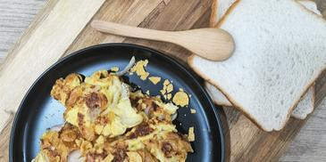 Telur Goreng Crunchy Gold Corn Flakes
