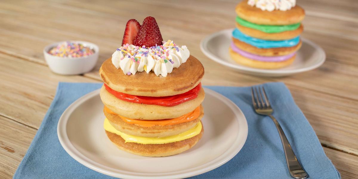 Hot cakes arcoíris
