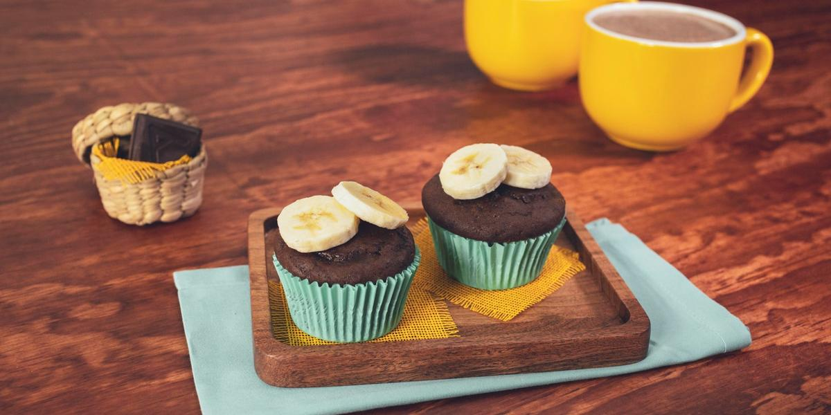CUPCAKES de CHOCOLATE con PLÁTANO preparadas con Chocolate ABUELITA® Reducido en Azúca